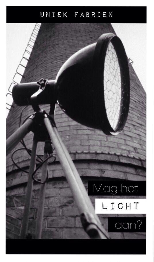 Unieke tripod: Bauhauslamp op oud statief