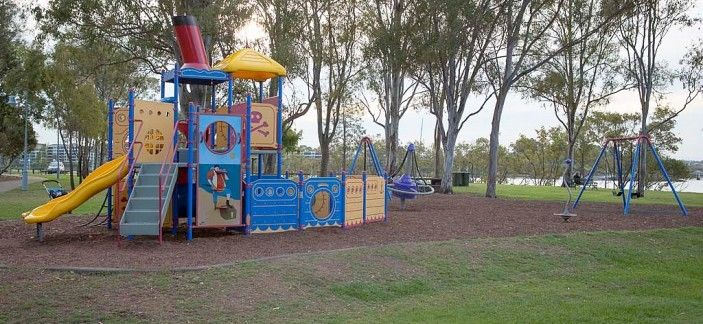 Vic Lucas Park - Vic Lucas Park is located on Quay Street in Bulimba.