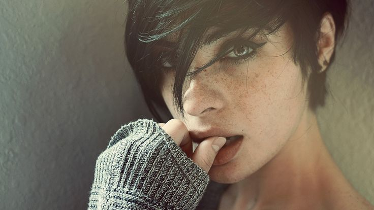 black hair, women, Лаура Pol, Laura Pol, faces, женщин, черные волосы, short hair, короткие волосы, freckles, веснушки, лицо