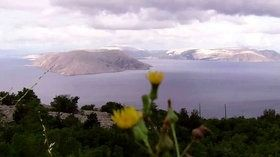 Wyspa Krk, widok na Velebit http://www.dailymotion.com/video/x3ojkbj_wyspa-krk-i-velebit_travel #krk #velebit #chorwacja