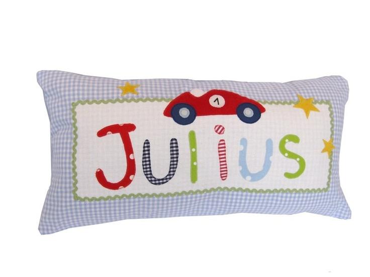 Dieses Namenskissen für Kinder ist ein liebevoller Hingucker im Kinderzimmer. Es eignet sich als idealer Begleiter auf Reisen oder in den Kindergar...