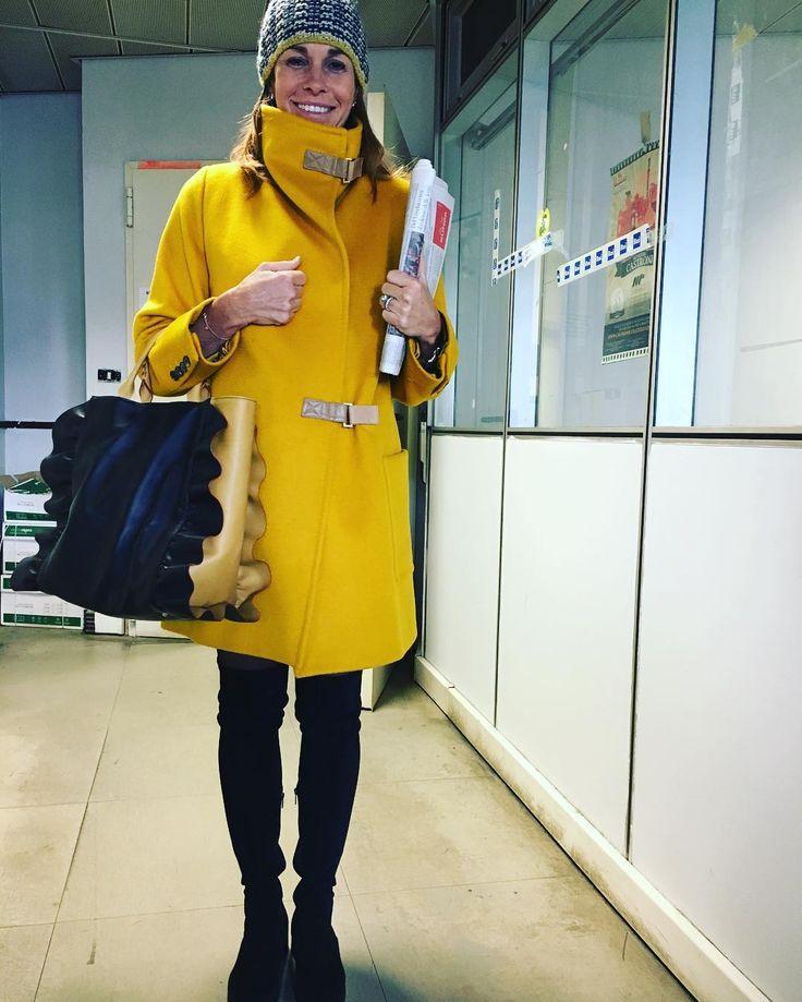 """""""Mi piace"""": 8,016, commenti: 269 - Cristina Parodi (@criparodi1) su Instagram: """"Lancio un nuovo #hashtag per il 17 gennaio  #yellowtuesday """""""