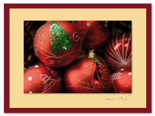 """""""Kugel und Baum"""" - ein Motiv aus der Weihnachts-Kollektion 2015 von NiceCards, einer kleinen Karten-Manufaktur. Die Motive aus dem eigenen Archiv, in glänzend ausbelichtet, auf hochwertige, matte Karten (12x17cm) geklebt und signiert. Bestellbar unter www.nicecards.de. #Grußkarten #nicecards #greetingcards #Motivkarten #Karten #Fotokarten #Weihnachten #Weihnachtskarte #christmas #christmascard"""