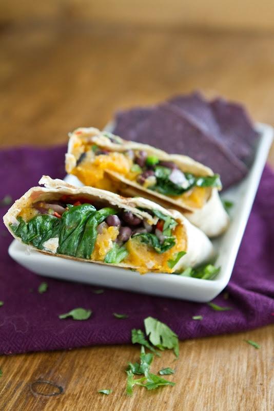 Sweet Potato and Spinach Burrito: Black Beans, Potatoes Burritos, Naturally It, Vegans, Recipes, Eating, Spinach Burritos, Sweet Potatoes, Healthy Food