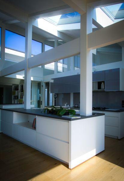 Csupa üveg, gyönyörű és egyedi családi ház Aranyhegy fejlődő részén, hatalmas, 2567 nm-es telken. Családi ház eladó Aranyhegy 380 m² - HomeHunters - Ingatlanok