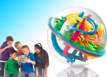 Labirintus labda különböző színű pályákkal, műanyagból, vezesd végig türelmesen a golyót