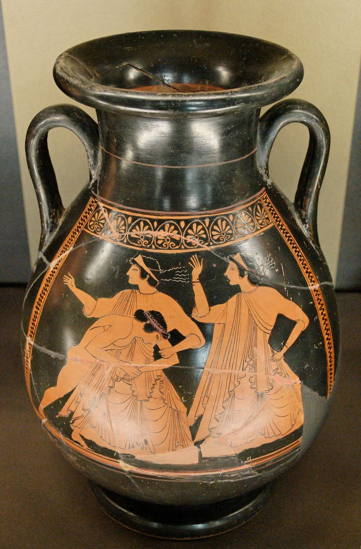 Thetis raped by Peleus. Side A from an Attic red-figure pelike, 510 BC–500 BC. Louvre museum.
