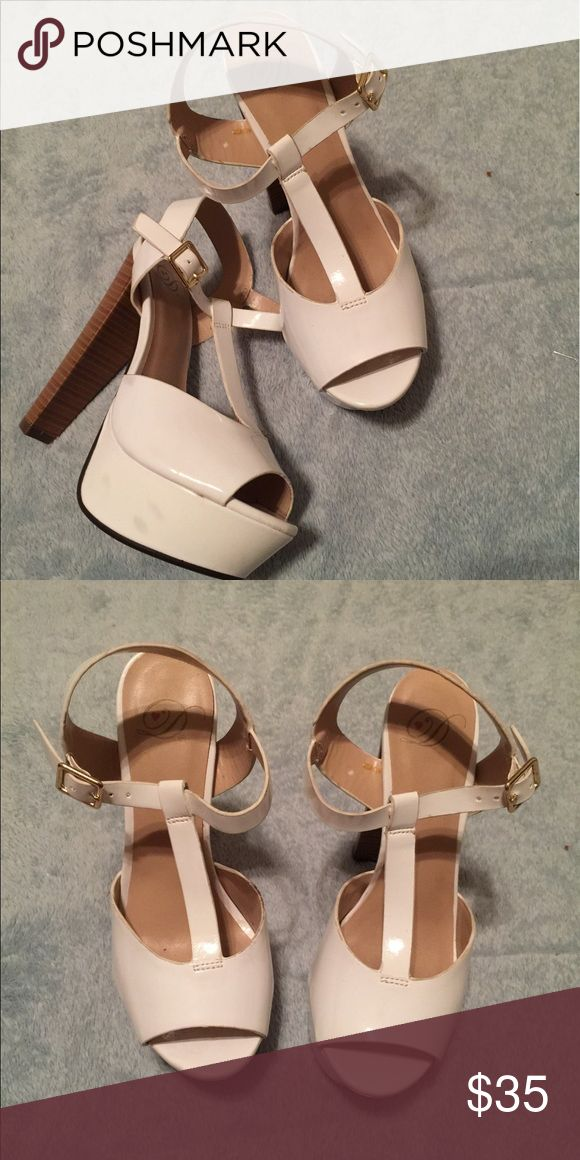 Cute chunky heels Super cute chunky heels!! Very comfortable due to the type of heel. Perfect with a cute dress or some jeans. Good condition only worn once but unfortunately they were tight on me since I got a size to small . Shoes Heels