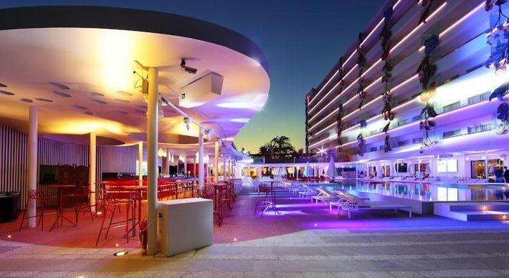 Booking.com: Ushuaia Ibiza Hotel - Playa d'en Bossa, España