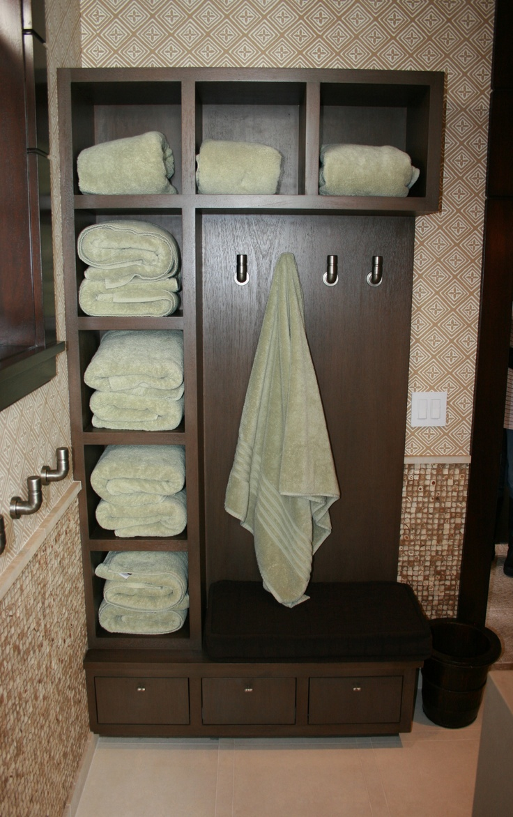 Unique Bathroom Towel Cubbies In This Beach House Use