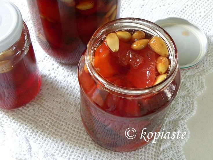 Quince preserve with Almonds http://kopiaste.org/2008/12/glyko-kydoni-quince-spoon-sweet/   Γλυκό Κυδώνι http://www.kopiaste.info/?p=516