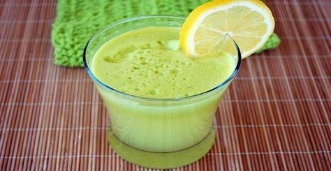 Neprekonaný nápoj na prečistenie pečene a zhodenie pár extra kíl už po 3 dňoch 3 citróny (bez kôry) 1 pohár vňate petržlenu 5 stebiel zeleru 6 pohárov vody Príprava Vložte do mixéra nakrájané citróny, petržlen a zeler. Všetko dobre rozmixujte.  Potom prilejte vodu a znova premixujte. Nápoj uskladňujte v chladničke po dobu maximálne 24 hodín.