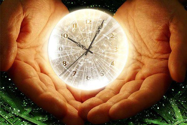 El tiempo, siempre ha sido una gran preocupación a través de todos los tiempos, por ello durante la historia de la humanidad se le ha asignado un valor importante. Ha sido el motivador de los avances tecnológicos que hoy gozamos, siempre hemos querido; ganar tiempo, ahorrar tiempo, incluso vencer el paso de tiempo, pero: