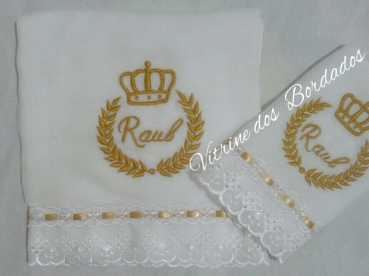 Fraldas Bordadas  Motivo Príncipe, ramos e coroa bordados #mãedePrincipe #muitoamor #amoo #fraldascremerluxo