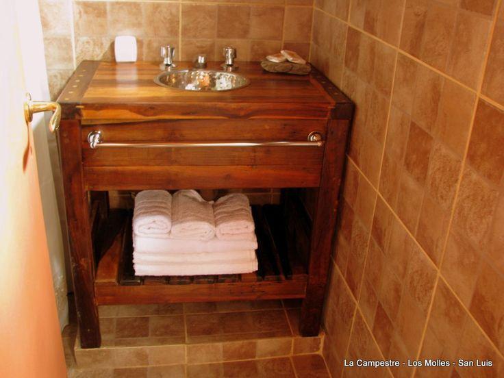 Muebles rusticos con madera reciclada vanitory ba o for Muebles rusticos de madera