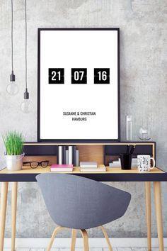 Ihr habt ein wichtiges Datum, das ihr euch an die Wand hängen möchtet, z.B. euer Hochzeitsdatum oder das Datum, an dem ihr euch kennengelernt habt? Dieses tolle Poster gibt es jetzt in unserem Shop bei DaWanda!