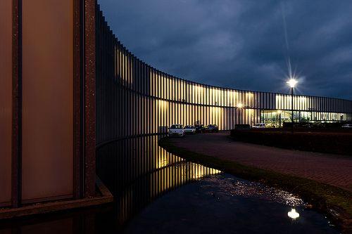 Showroom en kantoren, Apeldoorn Noord, Wiel Arets Architect & Associates b.v. (2002)