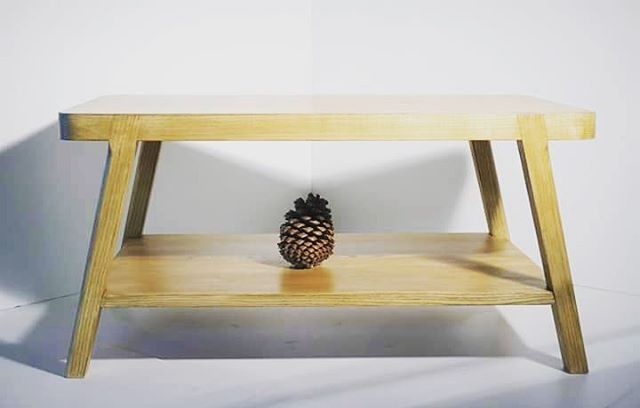 #woodwork #woodworking #tablebasse #table #lowtable #wooddesign #menuisier #menuiserie #gastes #bordeauxbastide #ecoresponsable #ecofriendly #landes #frêne #frene #ash #Bordeaux #furniture #meubles