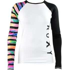 Rev up for a day of surf when your gear involves this Roxy® Rash Guard. Its lightweight full coverage design and stretchy blend of polyester and elastane work to protect you from discomfort when the waves get rough. Keep connected to your board with the convenient elastic band at the bottom hem. Tie dyed stripes and Roxy® details collide for a fashion-forward look in the Aquastripe Long Sleeve Rash Guard.