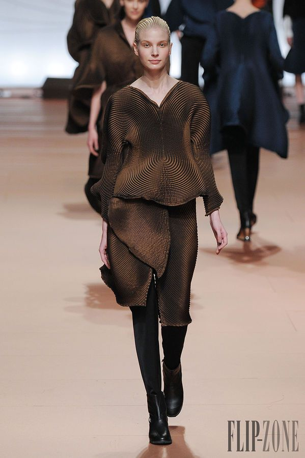 Issey Miyake Fall-winter 2014-2015 - Ready-to-Wear