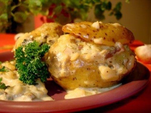 Фаршированный картофель с грибами в сметане