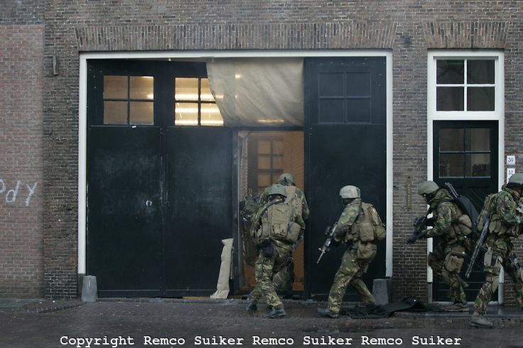 dutch military forces   Dutch special forces The Korps Kommando Tropen (Army Commando Troops ...