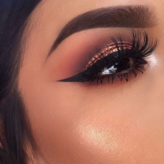 Sexy winged eyeliner makeup