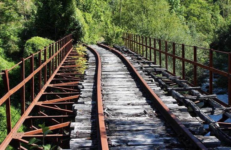 Patrimonio Industrial Arquitectónico:Colectivos exigen que se salve el ramal del ferrocarril minero entre Villablino y Villaseca. León
