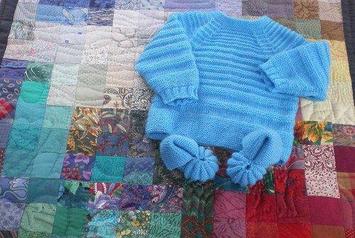 Tricot Layette Brassière raglan et petits chaussons