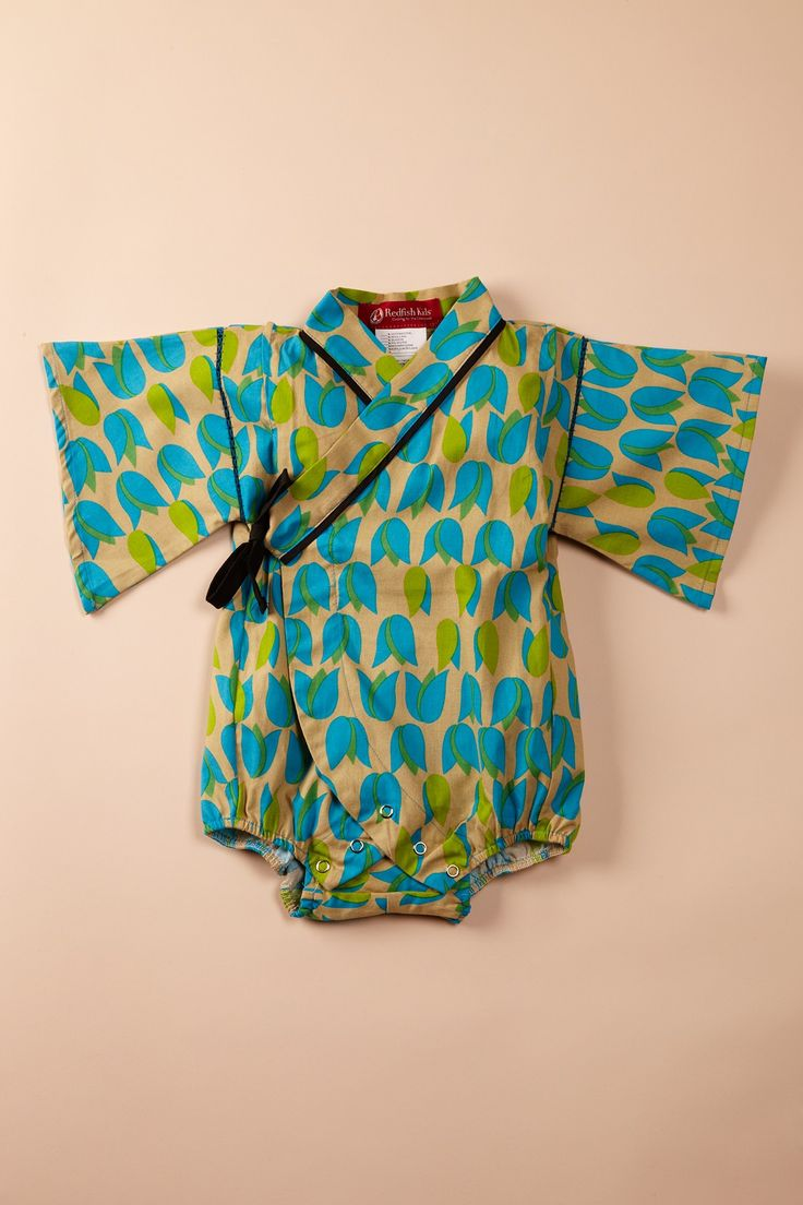 Baby Kimono...my goal is to find a pattern and/or make my own pattern so I can make these!!