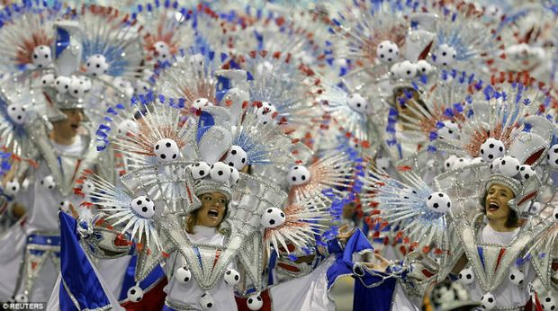 Вирус Зика не напугал: В Рио-де-Жанейро начался всемирно известный карнавал (фото)