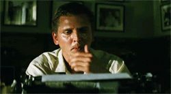 Barry Pepper as Joe Galloway, We Were Soldiers (2002) gifs