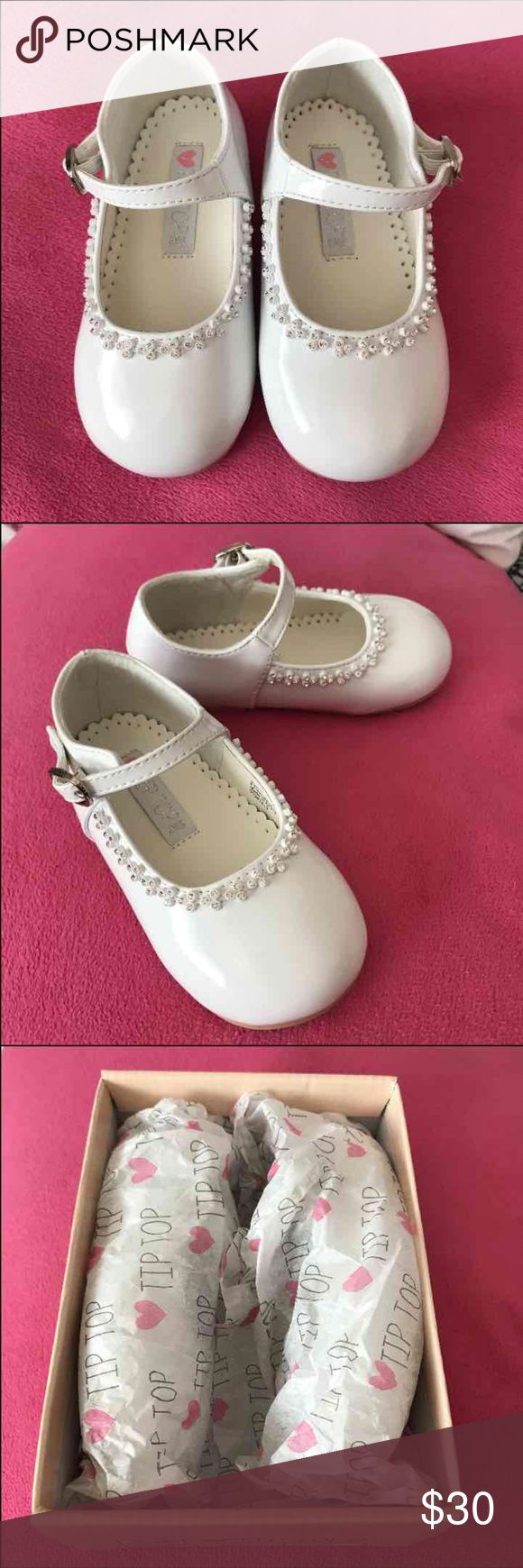 Toddler dress shoes - sz 7 White patent dress shoes with tiny rose gold rhinestones. Never used. Shoes Dress Shoes