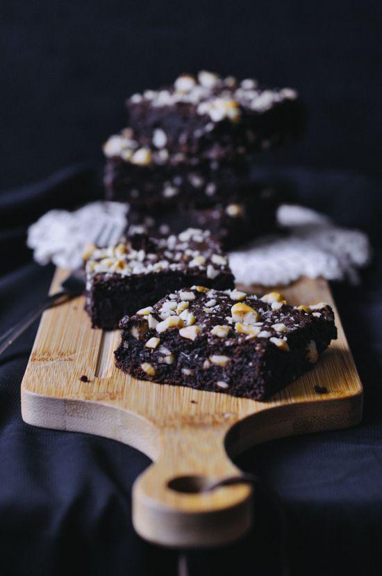 Dodgydumpling by Dawn • Singapore • Food, recipes & random photography: gooey chocolate hazelnut brownies