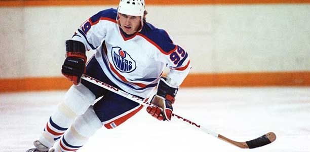 Gretzky played 20 NHL seasons between 1979-1999 for a total of four teams