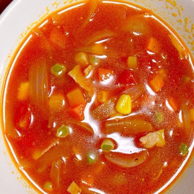 ミックスベジタブルと玉ねぎ、ベーコンで試作。上々の出来栄え - 8件のもぐもぐ - ミネストローネ風簡単トマトスープ by blackkimkim