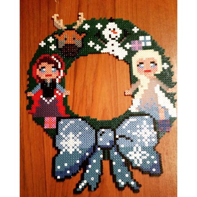 Frozen wreath hama beads by misse07