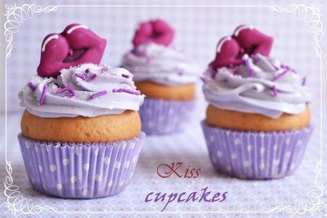 """Раскрою вам небольшой секрет:зная,что я неравнодушна к капкейкам,подруги присвоили мне ласковое прозвище -""""cupcake girl"""".Капкейки-это моя новая любовь!)…"""