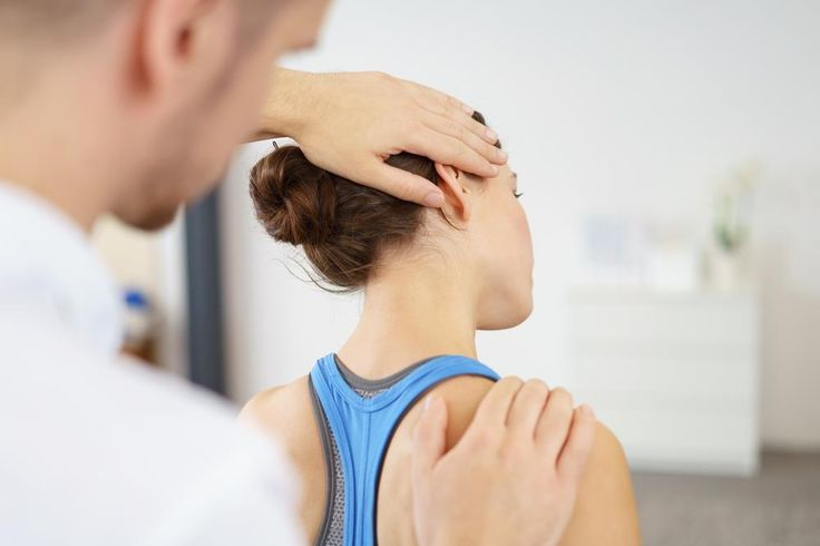 Diagnoses and Symptomps of Pinched Nerve in Shoulder - One of the common issues of old age is pinched nerves of the arm, legs, and even shoulder. There are many underlying reasons for Pinched Nerve in Shoulder pain condition. Some of the prominent ones are:  Torn cartilage Arthritis Tendinitis Injury Broken bones Cervical radiculopathy Signs of... - http://www.maglenia.com/pinched-nerve-in-shoulder/