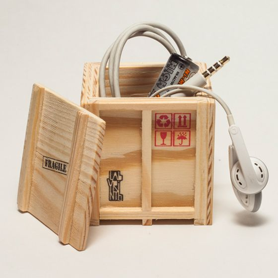 A very original gift: Desk tidy set of three miniature shipping boxes.