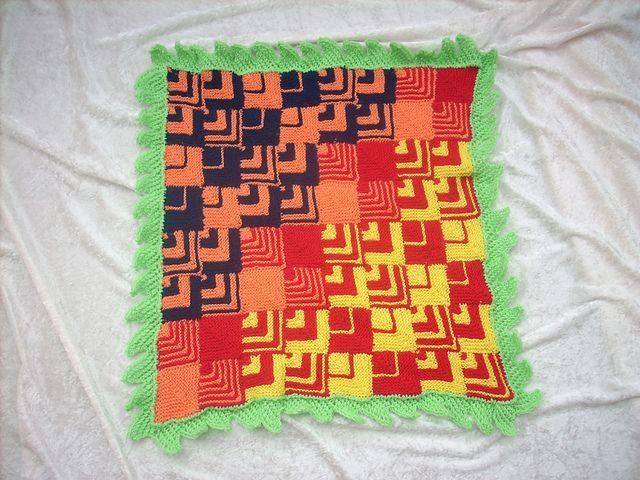 Ravelry: Babydecke- Kinderwagendecke Drache / Baby Buggy Blanket Baby Blanket Dragon pattern by Ulrike Beringer