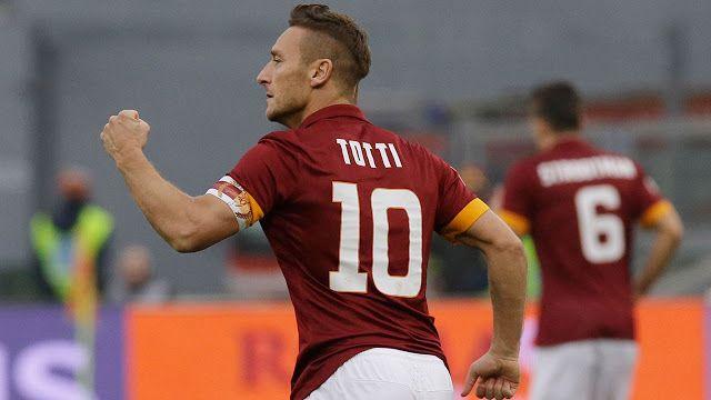 Totti Akan Jadi Direktor Roma Pemain legendaris AS Roma Francesco Totti menuju kursi direktur klub. Ini berarti Totti akan resmi gantung sepatu alias pensiun. Totti, 40 tahun, sudah mengakhiri kariernya sebagai pemain Roma di penghujung 2016-17.