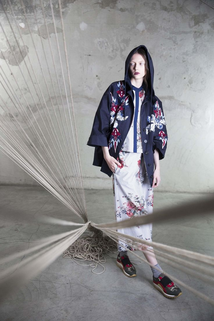 Antonio Marras Resort 2017 Collection Photos - Vogue ...ooh, embroidered denim hooded anorak, oh yes...