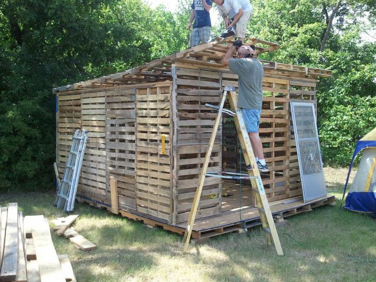 Not everyone can afford underground bunkers or expensive for Wood pallet fort