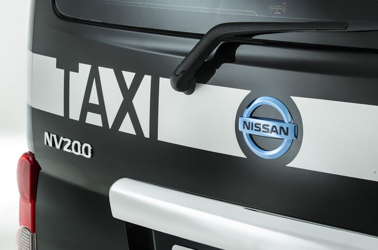 nissan-e-nv200-taxi-for-london-rear-badging.jpg (2048×1360)