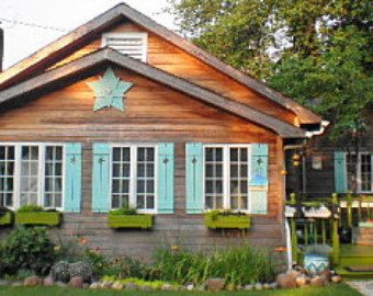 1000 Ideas About Cabin Exterior Colors On Pinterest Rustic Cottage Cottage Exterior And Navy