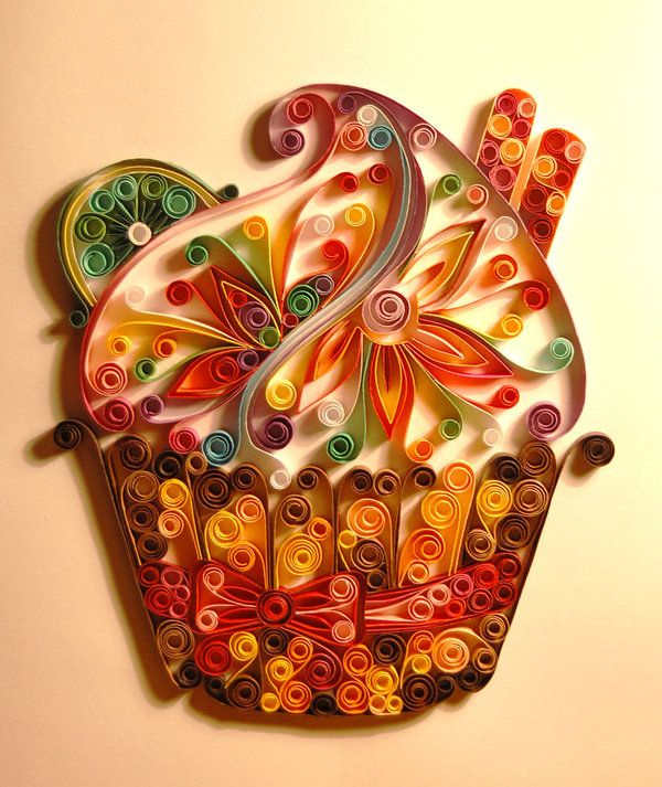 Gorgeous quilled cupcake! Can you imagine something like this on a card?