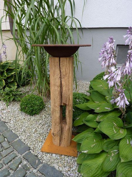 Gartendekoration – Eichensteele mit Pflanzschale aus Rostmetall – ein Designerstück von BrennHolzDesign bei DaWanda – Sigrid Reisch