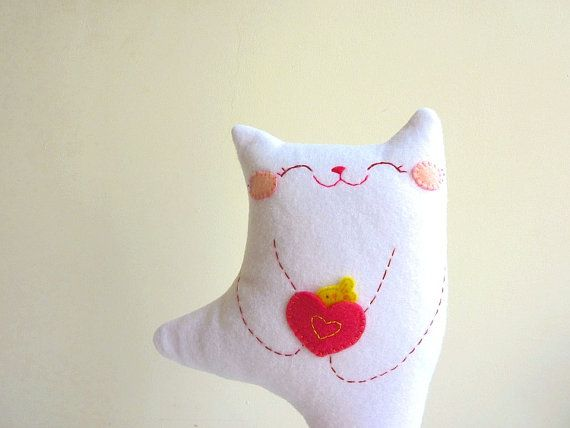 <3 this! I have to make one for Tess. :o)    Cat Plush - Kitty Dancing (THIS MAKES MY HEART EXPLODE WITH HAPPINESS!!!)