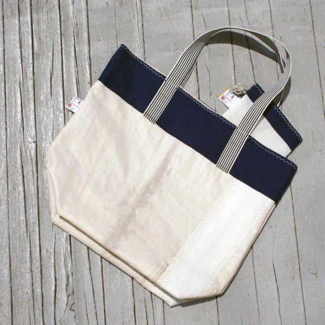 1a1 Studio e le borse cucite a mano, realizzate con le vele - Frizzifrizzi